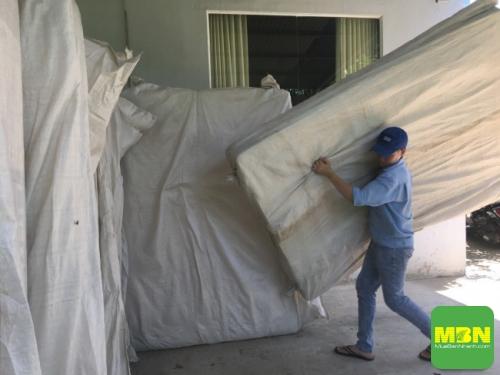 Công ty Trang Trí Nội Thất Thiên Ân giao chăn drap gối nệm cho khách hàng