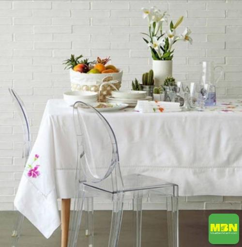 Mua khăn trải bàn ở đâu may đẹp, chất lượng cao, giá cạnh tranh tại TPHCM?