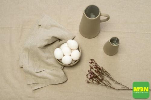 Chọn khăn trải bàn quan tâm đến chất liệu